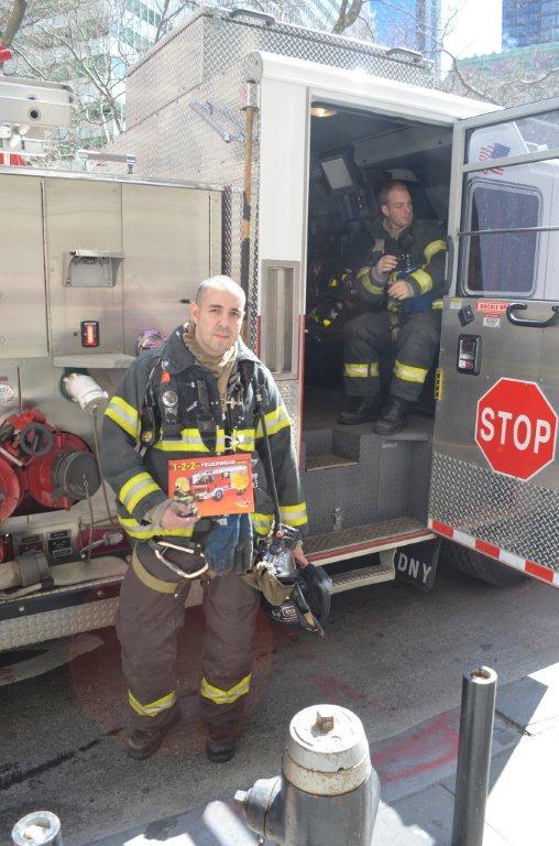 Feuerwehrbuch New York 2014